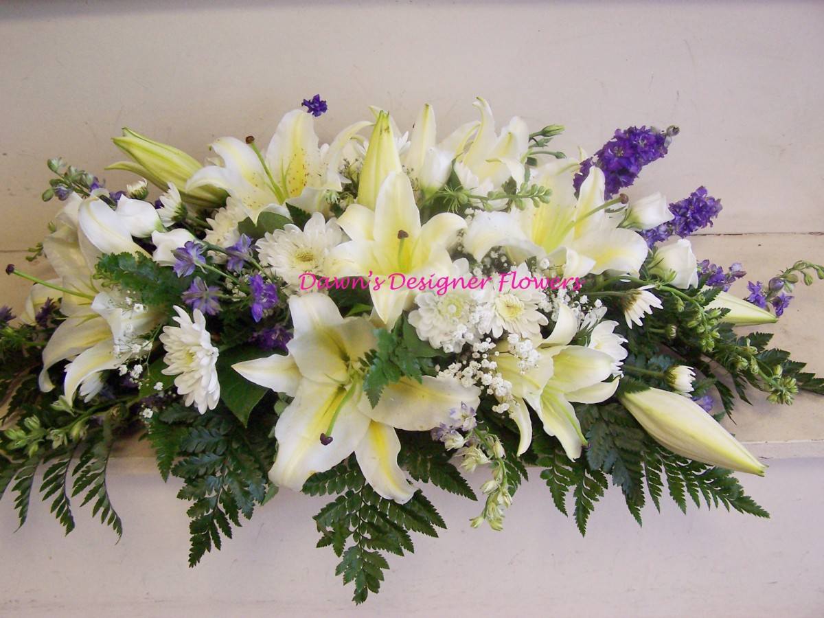 Funeral spray funeral flower delivery london 02087489766 izmirmasajfo Images