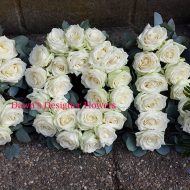 Letters from fresh white roses,Son