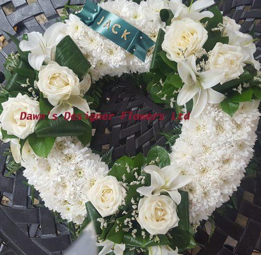 Cream roses,white lilies